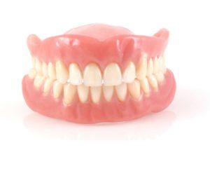 Teljes, kivehető fogsor