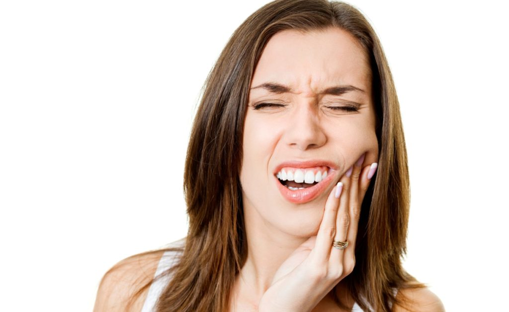 Gyökérkezelt a fogam, mégis fáj. Miért?
