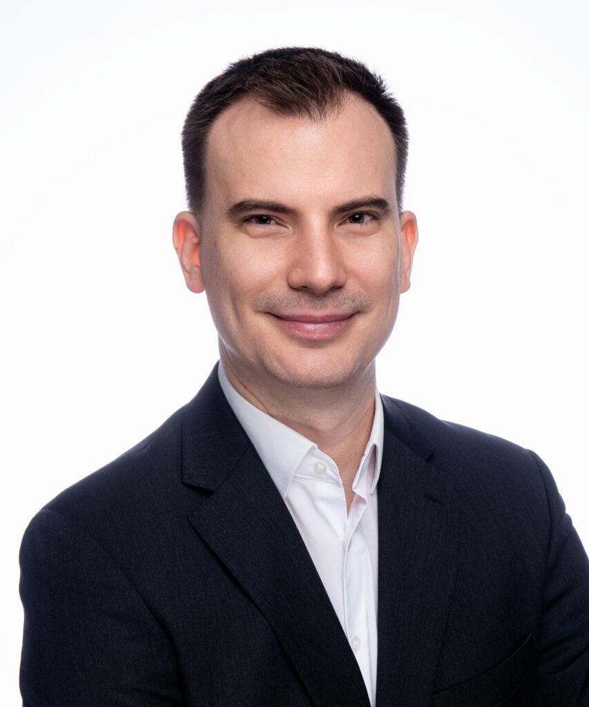 Dr. Győrfi András - vezető fogszakorvos, mosolytervező specialista